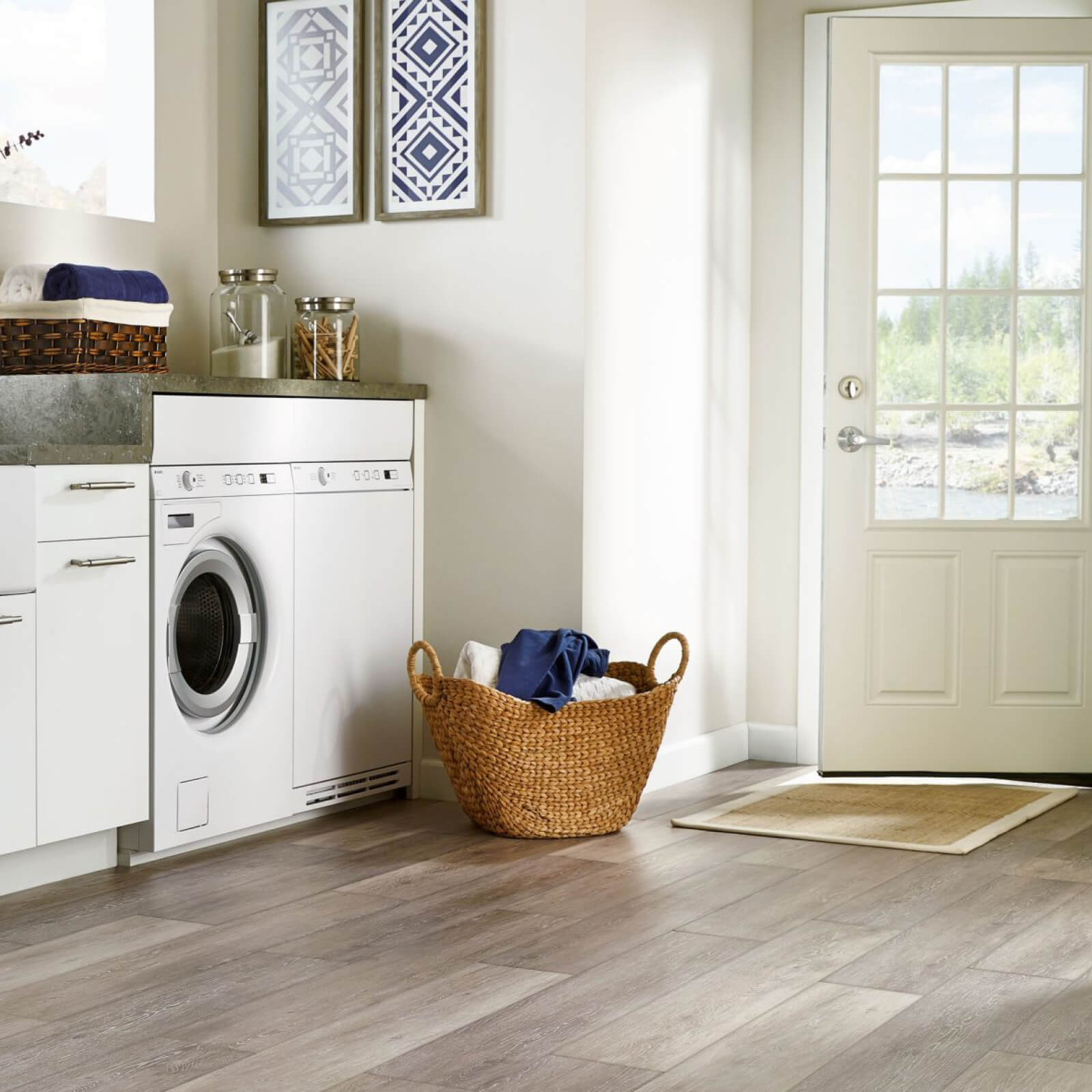 Vinyl Floors in Laundry Room
